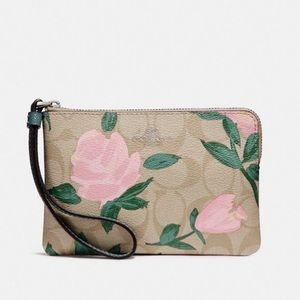 Coach Corner Zip Wristlet Camo Rose Floral